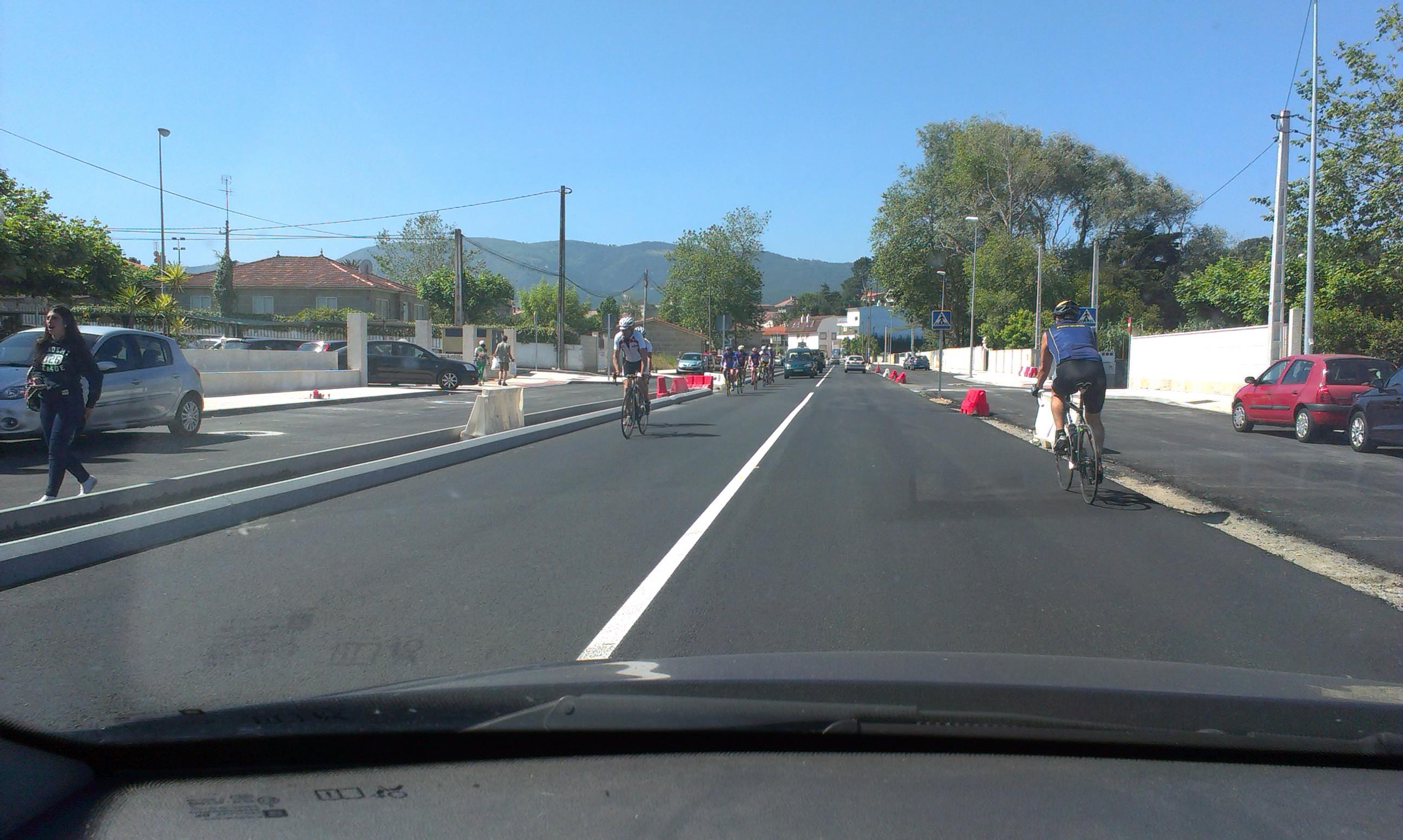 """Estado actual das obras de """"seguridade vial"""" na PO325 a altura de Praia América"""