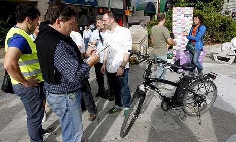 Imaxe da saída da Carreira de Medios de transportes organizada por EQUO