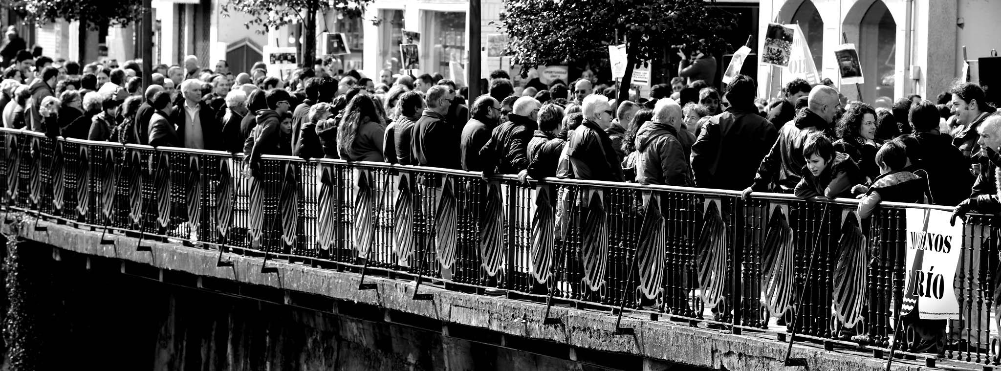 Foto da concentración de protesta en Sarria